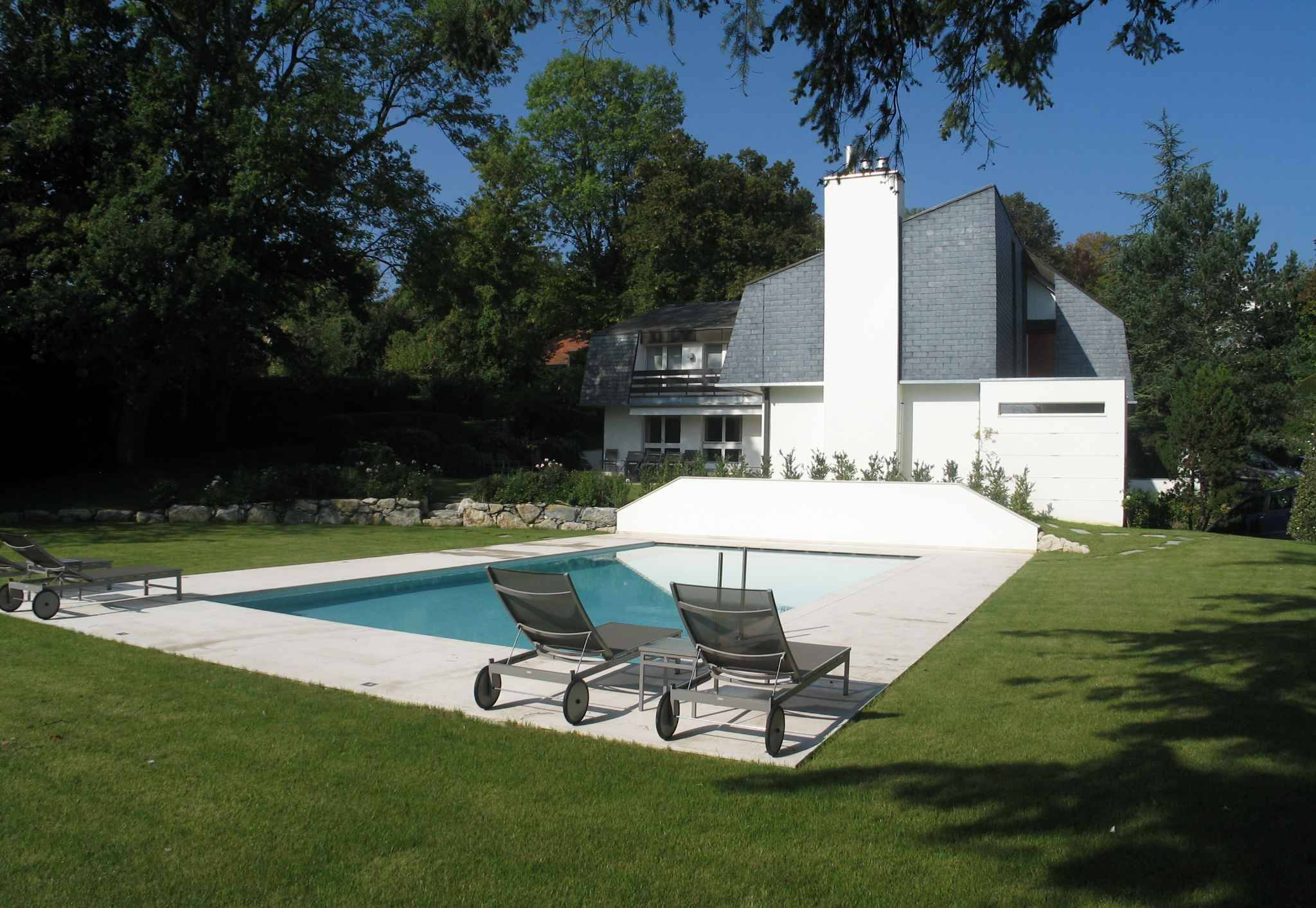 Contemporaine avec piscine